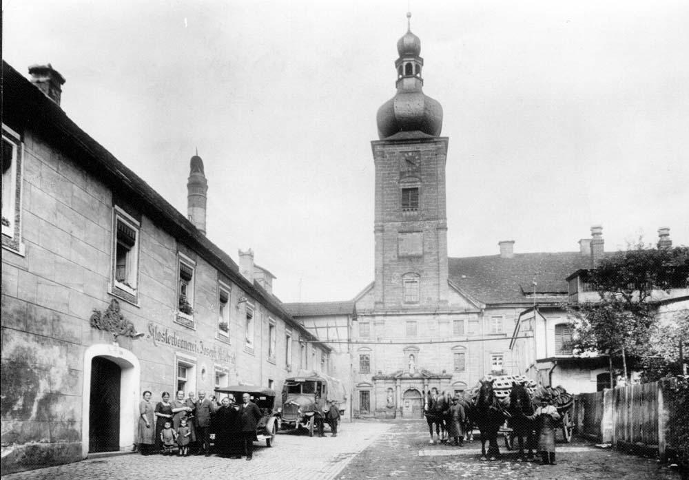 WEISSENOHE Klosterhof alt mit Senioren und Kutsche